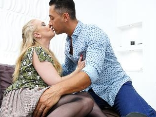 Big breasted mature slut going hardcore
