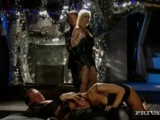 Daria Glower and Nataly in Swingers getting raunc