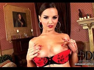 Eve as Sexy Señorita!