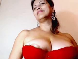 Busty boobs Sumitra womany in her 2nd mms clip