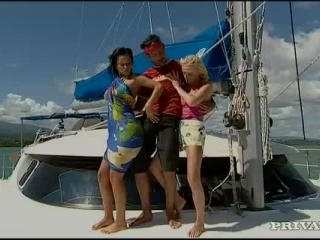 Diana Gold and  Simonne in Dream boat with a craz