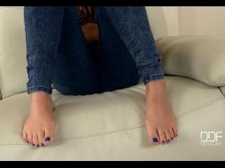 Girl Next Door Wants Us To Worship Her Bare Feet