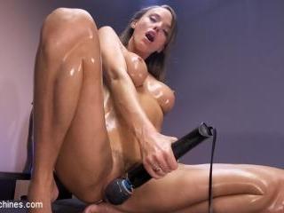 Big Tit Newcomer Squirts Everywhere - Kink