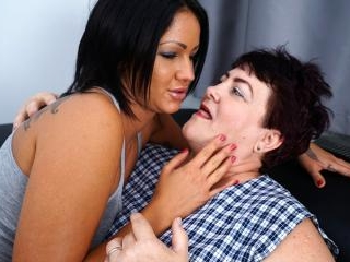 Hot and steamy old and young lesbian couple makein