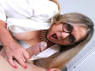 Claire Bliss: Too Much Milf
