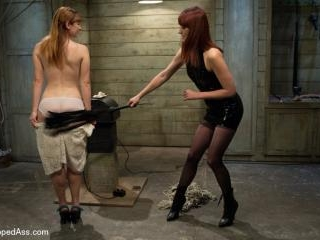 Dirty Confessions: Live Lesbian BDSM