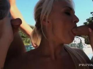 Ivanna Sugar in Natural born sucker