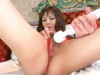 Beautiful Hikaru Aoyama toys her pretty pussy with