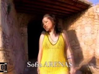 Porn video :   Sofia Arenas Terry Beach