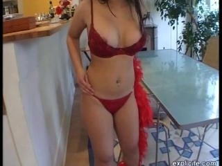 Lilo  : First striptease and masturbation video of