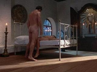 Bruce Greenwood gives an butt-baring, peen flashin