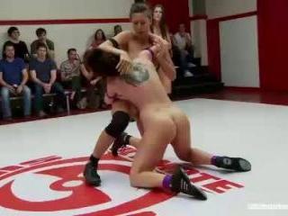 Season 11 Tag Team Prelim Syd + Rilynn Rae vs. Che