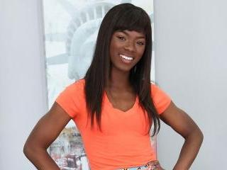 Young Ebony star Ana Foxxx Fucking Herself LIVE!