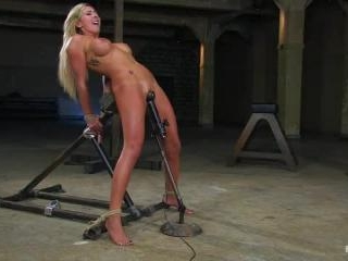 Amateur Casting Couch: Skylar Price the Golden Bea