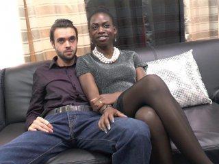 Jayna et Tom, jeune couple très coquin, s\'essayent