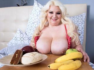 Bedroom Breastfest