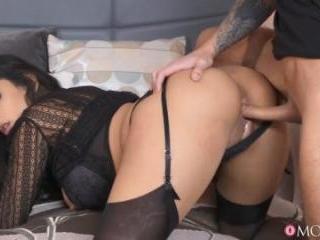 Lad Cums On Kinky MILFâ??s Big Tits