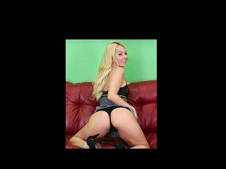 Blonde Stunner Aaliyah Love LIVE
