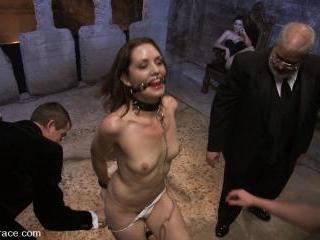 Brand new girl gets her porn intitation on Public