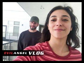 Vlog - Brooklyn Gray Day 1