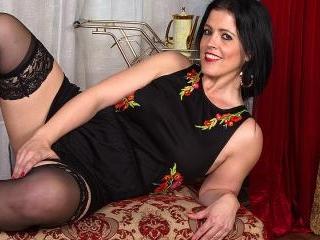 British mom Montse fucking and sucking in POV styl