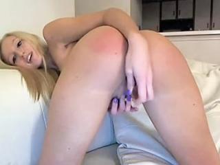 Sexy ass blonde has a dildo