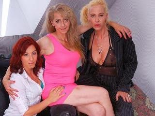 Lesbian-Alex302
