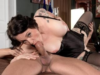 Please Give Me That Cock In My Ass!