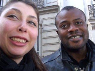 Jeune couple libertin nous offre sa première sodo