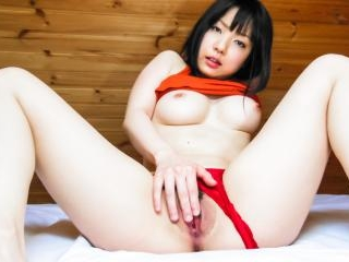 Airi Minami amazes with her curvy forms and naught
