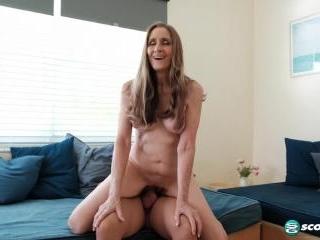 Fiona\'s first porno