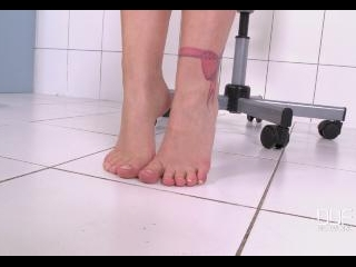 German Toe Teaser Tempts Us With Barefeet Audition