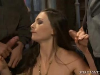 Jessica Fiorentino in Threesome gets dirty