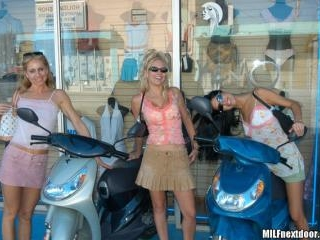 Hooters On Scooters