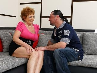 Horny mature slut fucking and sucking her ass off