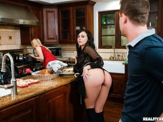 Thanksgiving Dinner Sluts