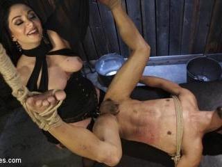 Fresh Meat: Lea Lexis takes new sub for a test dri