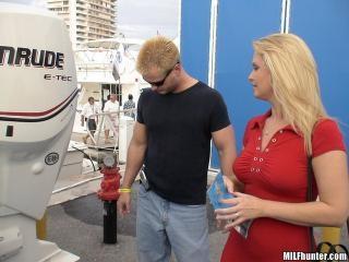 Boat Show Hottie