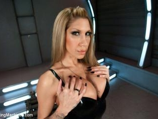 Gone in 60 seconds: HOT MILF cums fast, hard and o