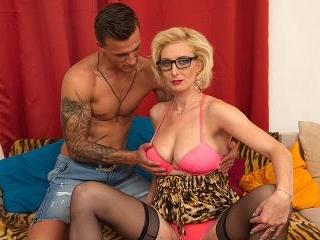 Hot Temptress fucking and sucking a hard cock