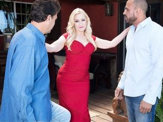 Robin Pachino gets DP\'d by her new neighbors