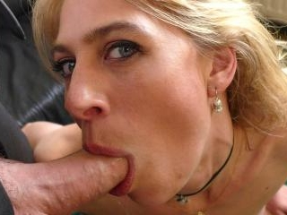 SubSlut Jentina Small: flappy wet cunt