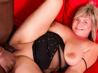 Mature BBW is ready for that big black cock