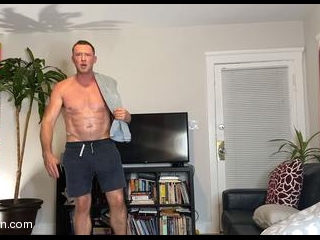Pierce Paris: Watch Me Fuck Myself