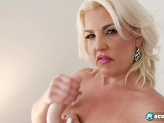 Taylor Leigh wants you to jack off