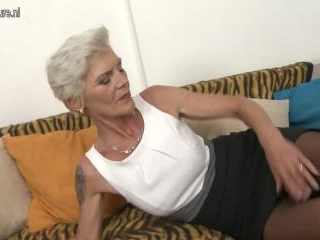 Naughty mature lady doing her way younger lover