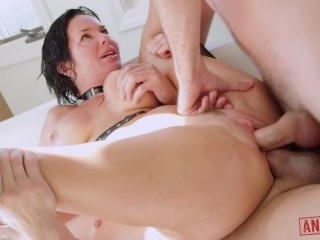 Veronica Avluv\'s Ass is Double Fucked