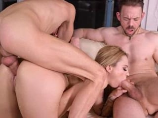 Cucked MILF Dominno Makes a Threesome Tape to Get