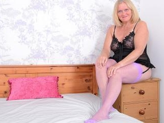 Mature Antoinette loves getting very naughty with