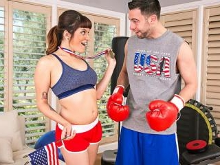 Naughty America - Raquel Roper